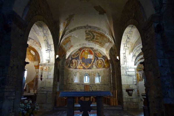 Abside con presbiterio navata centrale