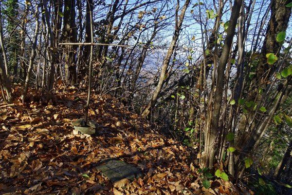 Croce di vetta del Monte Canto (688 m)