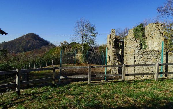Ruderi borgo antico di Canto (644 m)