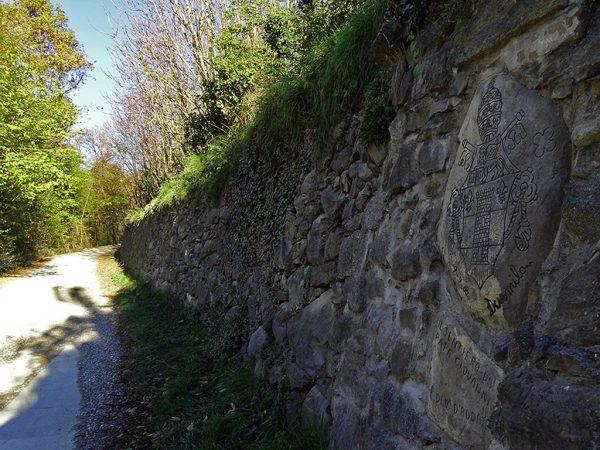 Sasso commemorativo in zona acquedotto