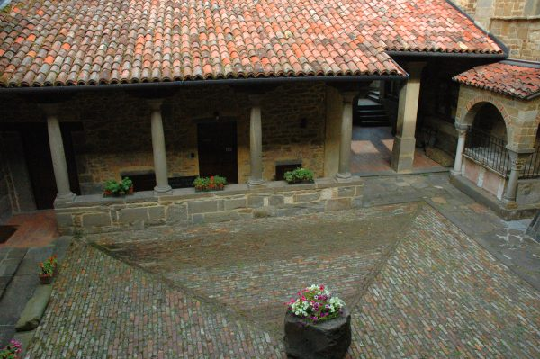 Historical House Medieval Abbey - Al Chiostro Apartament